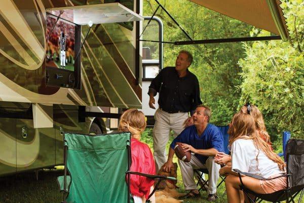 RV television uses solar energy.