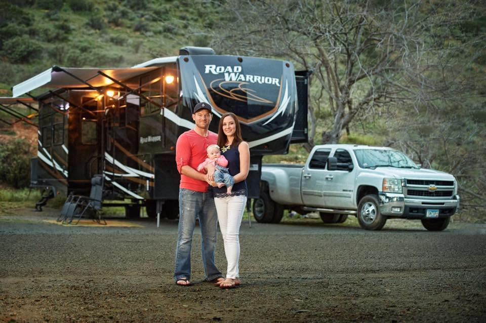 Eric and Danielle Hannan, Shore Looks Nice