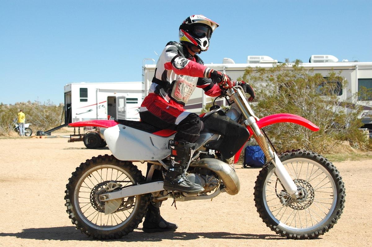 RV toy hauler fifth-wheel for dirt bikes